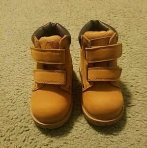 Toddler boys construction boots